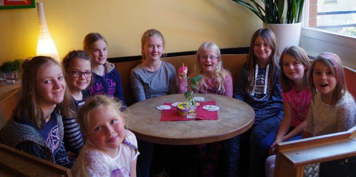 Mädchentag im Jugendzentrum West in Detmold-Pivitsheide